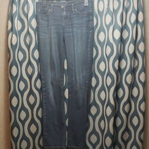 Gap 1969 Staright Leg Medium wash Jeans size 1